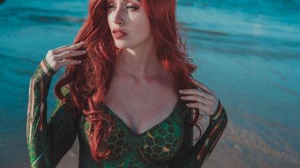 Valery Himera Women Model Cosplay Redhead Aquaman Long Hair Wavy Hair Looking Away Cleavage Women Outdoors Mera Dc Comics Makeup Eyeliner Green Clothing Women On Beach Depth Of Field Sea Red Lipstick